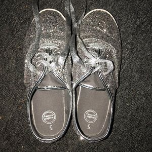 Other - Girls Size 5 Silver Glitter Shoes